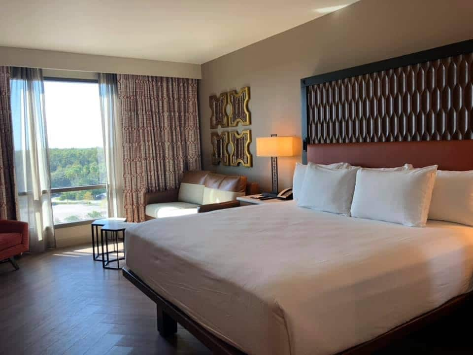 King Bed Room at Disney's Coronado Springs Gran Destino Tower #disneyworld #disneyresort #coronadospringsresort #grandestino #travelagent