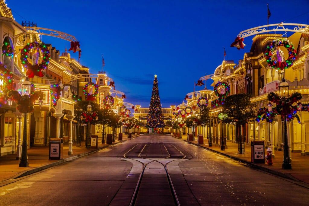 Christmas 2020 at Walt Disney World #waltdisneyworld #disneyworld #christmas2020 #disneychristmas #travelagent #disneytravelplanner