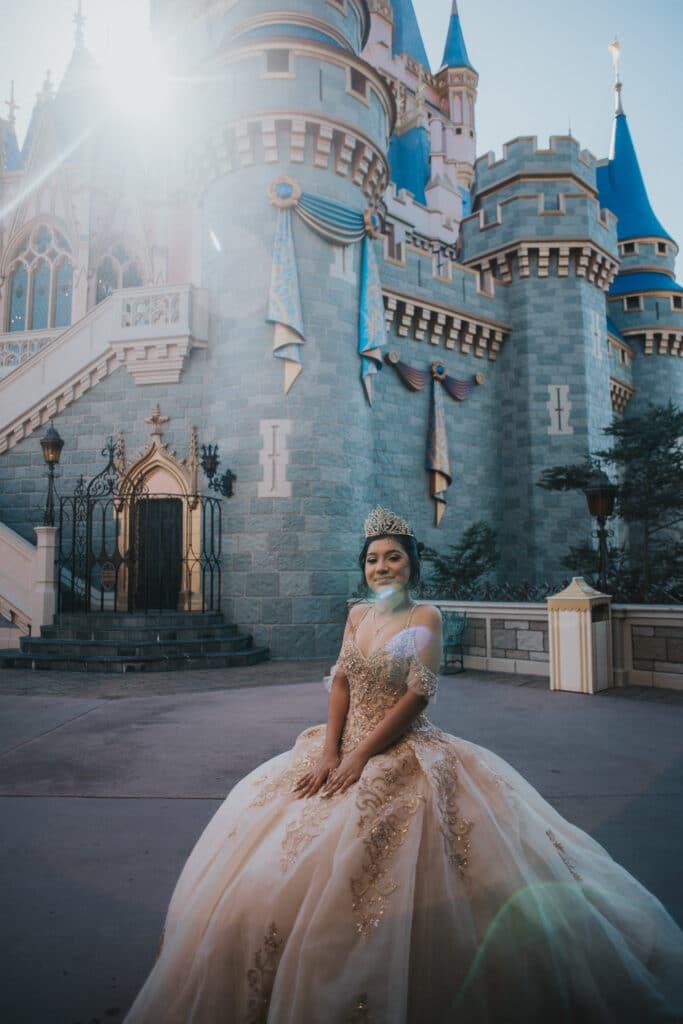 Top 4 Photo Spots in the Disney World Parks - Magic Kingdom #magickingdom #waltdisneyworld #disneyworld #disneyphotospots #disneypics #disneyphotos #cinderellacastle #magickingdomphotos #travelagent