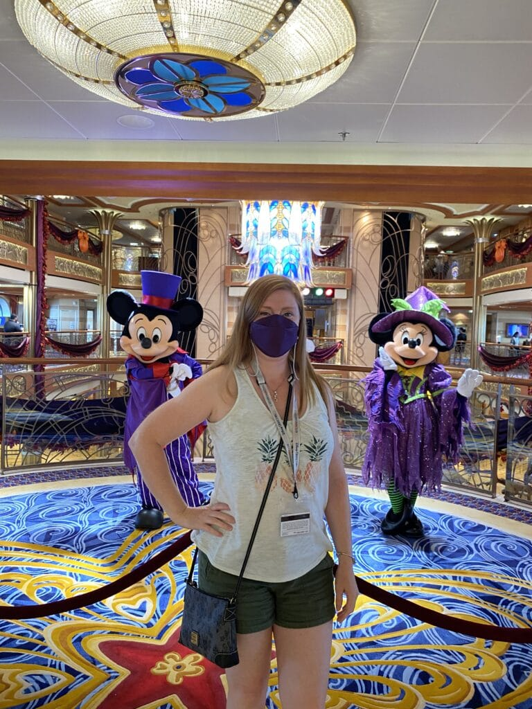Socially distanced character meet & greets aboard the Disney Cruise Line ships #dcl #disneycruiseline #mickeymouse #minniemouse #disneycharacters #travelagent #clickthemousetravel #disneydream #cruising